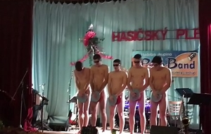 Horny guys exhib naked around public